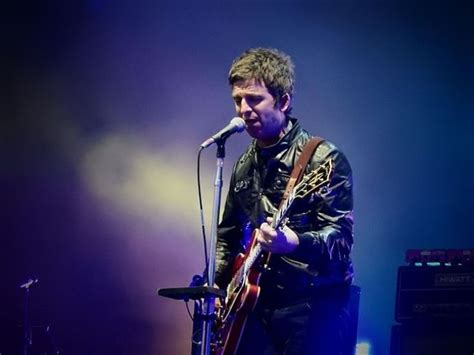 Noel thomas david gallagher (born 29 may 1967) is an english singer, songwriter, record producer and musician. Noel Gallagher Height, Weight, Age, Spouse, Children, Facts