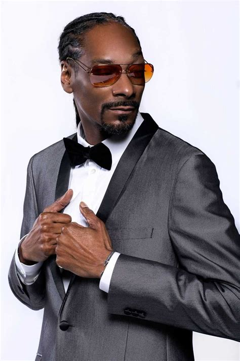 Snoop dogg is an american rapper, singer, songwriter, producer, media personality, entrepreneur, and actor. Snoop Dogg - Universal Attractions Agency