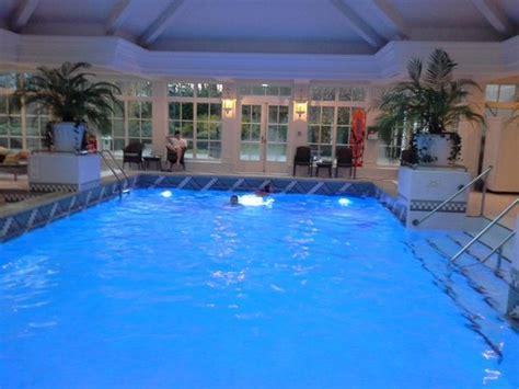 disneyland hotel chambre piscine photo de disneyland hotel chessy tripadvisor