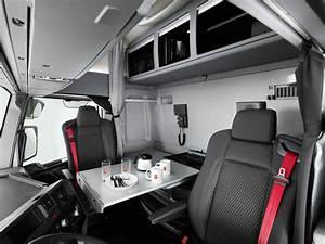 Qui Habite à Cette Adresse : une cabine maxispace chez renault trucks l 39 argus ~ Maxctalentgroup.com Avis de Voitures