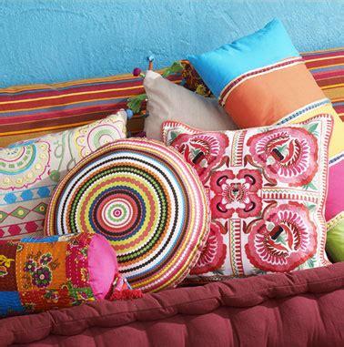 serie de coussins couleurs de maison du monde