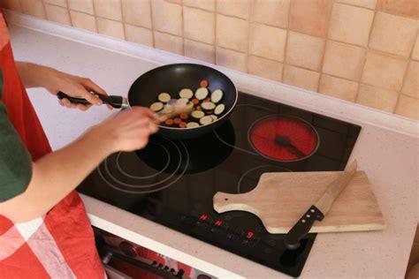 plaque pour cuisine dimension d 39 une plaque de cuisson ooreka
