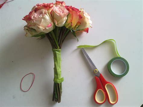 cheap  easy diy bridal bouquet  wedding blog