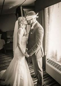 15 touching groom first look wedding photos oh best day ever With first time wedding photographer