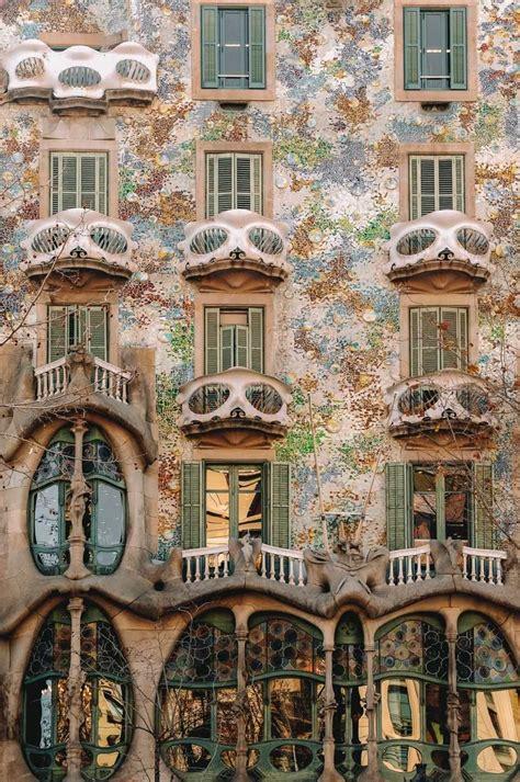 6 Must See Buildings By Gaudi In Barcelona in 2020 ...