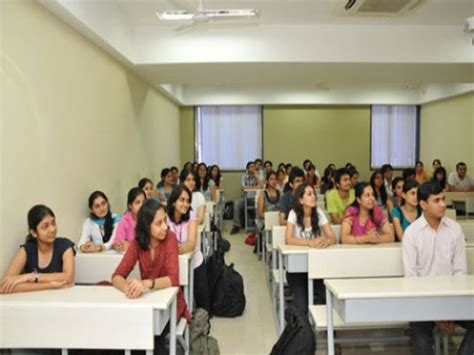 mithibai college  arts mumbai courses fees