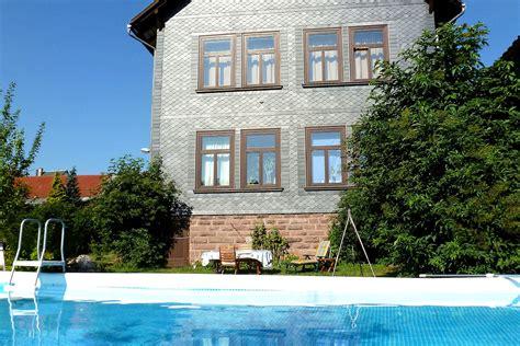 Wohnen Einer Ehemaligen Schule by Ferienwohnung Quot Alte Schule Quot Tambach Dietharz Th 252 Ringen
