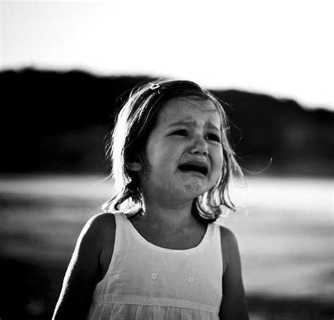 wieso weint der mensch bei trauer menschen biologie