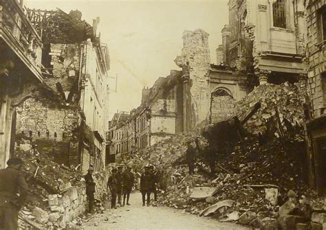 Mystery of First World War photograph uncovered - Historic ...