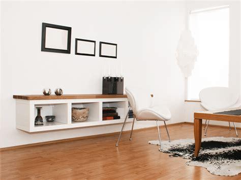 stauraum im wohnzimmer kreative tipps fuer mehr ordnung