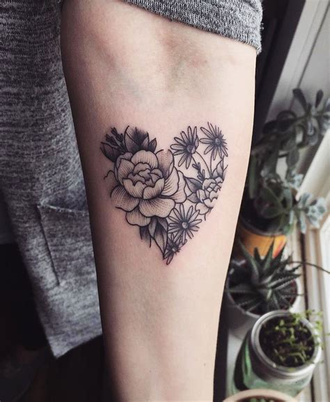 sleeve tattoos ideas  women tattoos heart flower