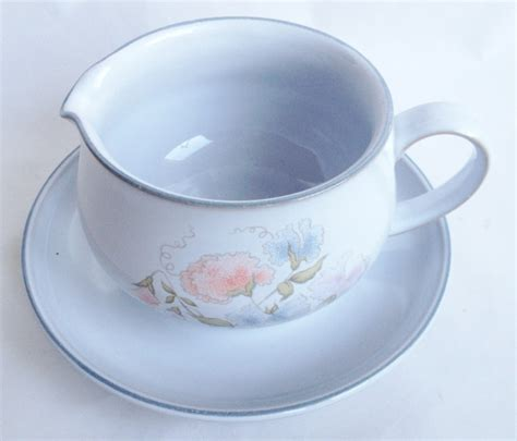 Gravy Boat Disney by Nivag Collectables Denby Encore Gravy Boat And Stand