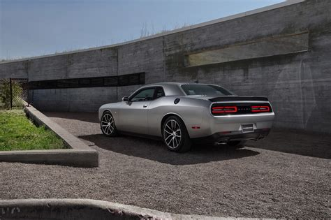 2015 Dodge Challenger 392 Hemi Scat Pack Shaker Photo
