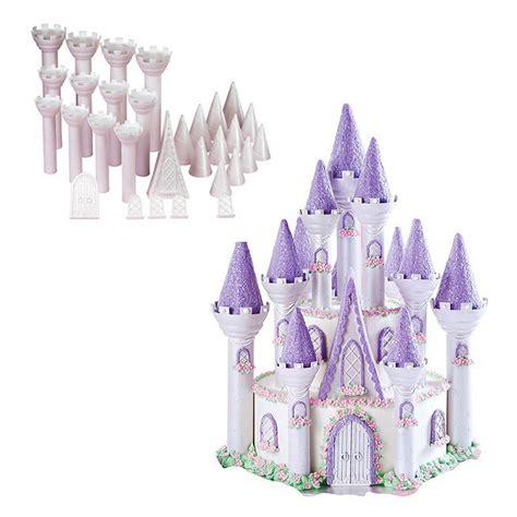 set de figuras  tarta castillo wilton