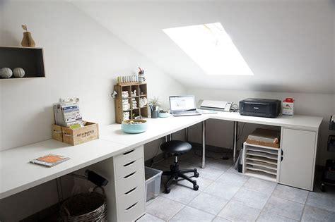 Corner Bedroom Bureau by White Home Office Corner Table Setup With Ikea Linnmon