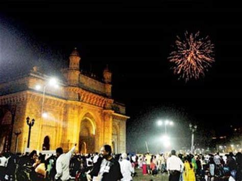 happy  year mumbai court  bars  remain open