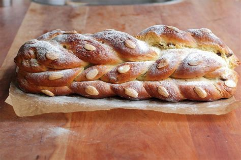 We've rounded up the best ideas ever. Vanocka, Czech sweet braided Christmas bread in 2020 | Christmas bread, Czech recipes, Christmas ...