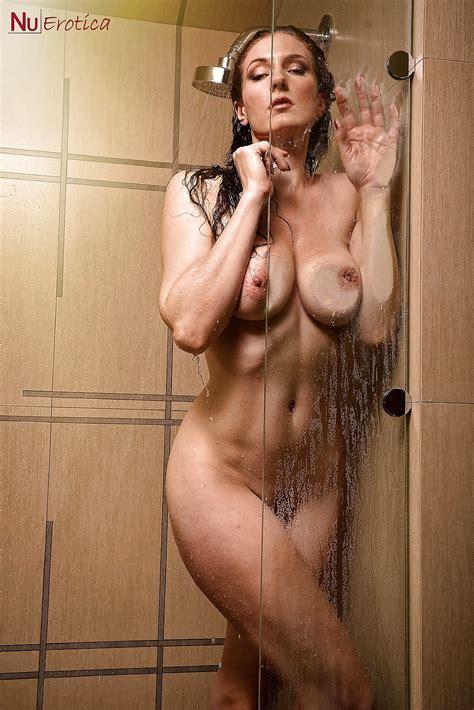 ruthy boehm nude in shower zdjęć 9