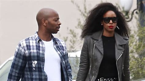 Kelly Rowland & Husband Tim Weatherspoon Run Errands