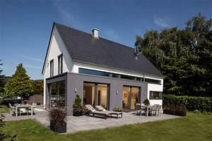 Haus Mit Satteldach 25 Grad : moderne architektur und intelligentes wohnkonzept ~ Lizthompson.info Haus und Dekorationen