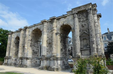 file the porte mars an ancient triumphal arch in reims dating from the 3rd century ad and