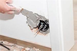 reboucher trou mur exterieur affordable vido rparer With reboucher un trou dans un mur exterieur