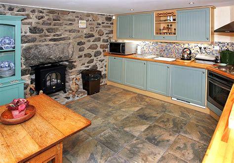 cottage style kitchen tiles cottage kitchen floor tiles richardson farmhouse 5924