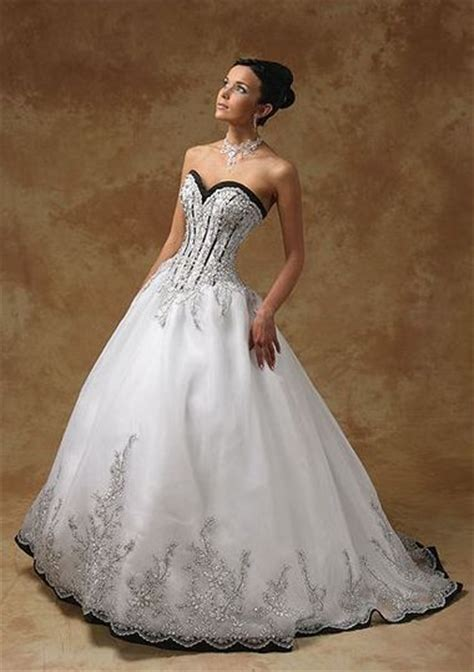 free shipping sweetheart corset black and white wedding dresses a line organza with embroidery