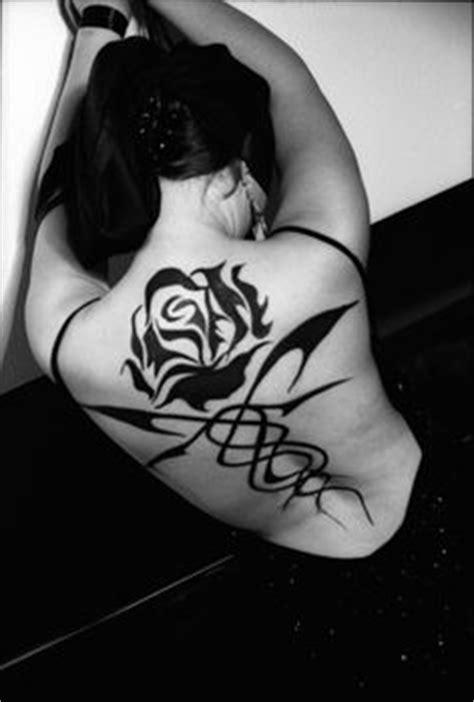 1000+ images about Kushiel's Dart on Pinterest   Darts, Fan tattoo and Back henna