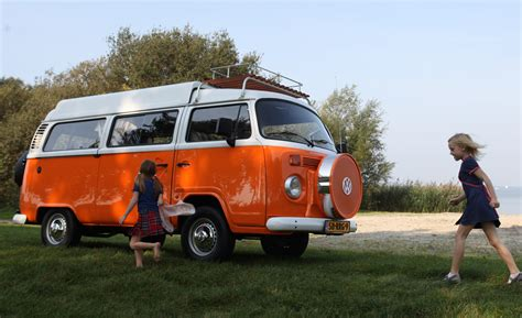 volkswagen minibus europeans can again buy new type 2 volkswagen microbuses