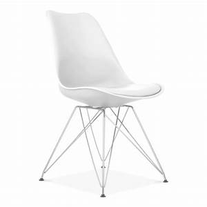 chaise eames inspired blanche avec pieds eiffel en metal With meuble salle À manger avec chaises blanches pied bois