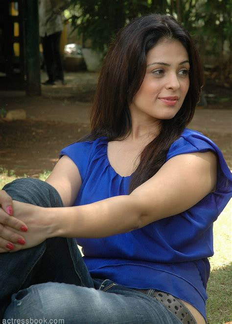 sexy girl bikini  bollywood hot actress anjana sukhani