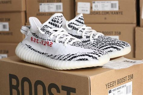 New Adidas UK Shoes Store   Ds Adidas Yeezy Boost 350 V2