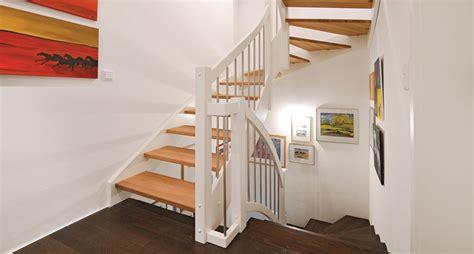 Treppe Aus Holz, Glas Und Metall Von Der Tischlerei
