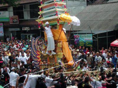 upacara adat indonesia budaya nusantara