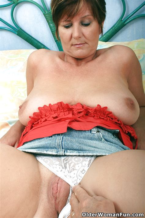 Gorgeous Milf Joy From Olderwomanfun Pics