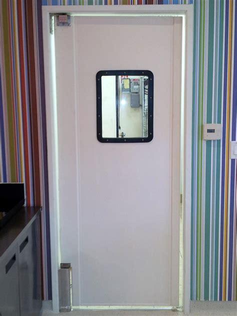 Kitchen Doors by Selling Restaurant Kitchen Traffic Doors On Sale