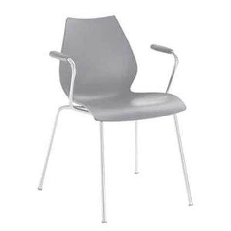 chaise gris clair chaise gris clair de kartell