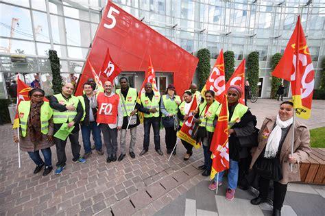 louvre hotel siege social une quinzaine de salariés du groupe louvre hôtel proteste