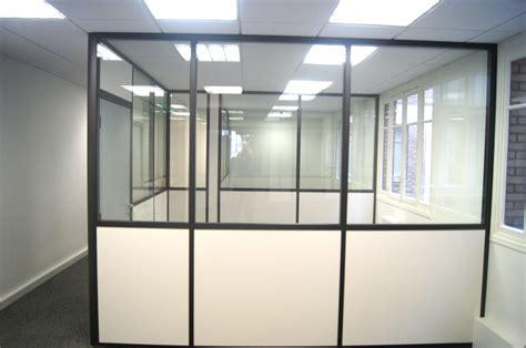 cloisons de bureaux réalisations vitrée porte pleine espace cloisons alu