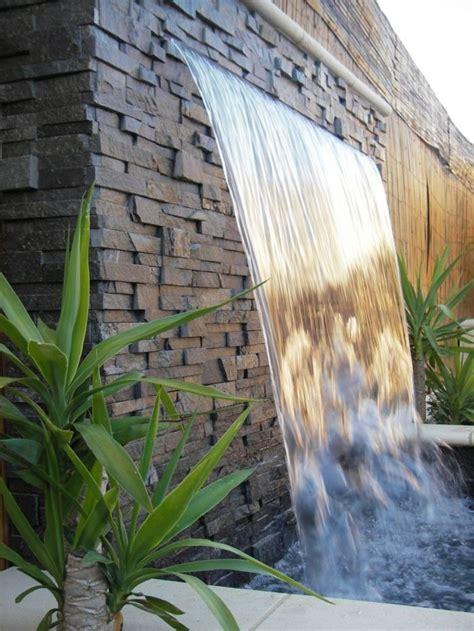 Schoene Gartenidee Mit Aussenwand Wasserfall by Die 25 Besten Ideen Zu Garten Wasserfall Auf