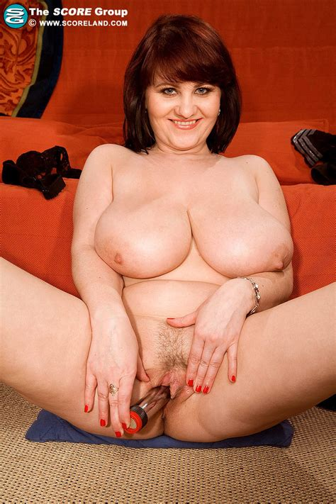 Simona Toys Her Chubby Milf Pussy Pichunter