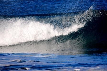 advantages  disadvantages  wave energy