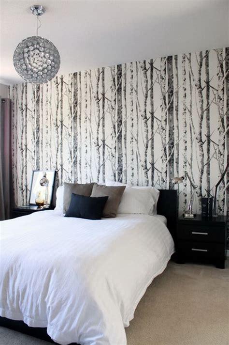 tapisserie de chambre a coucher papiers peints aspect bois et inspiration nature en 47