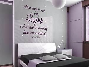 Flieder Farbe Wand : wandtattoo man umgebe mich mit luxus ~ Markanthonyermac.com Haus und Dekorationen