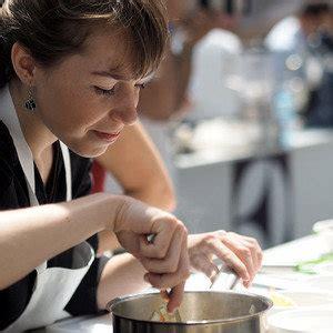 donner des cours de cuisine justine coubron cours de cuisine par une professionnel simple ou difficile un moment de
