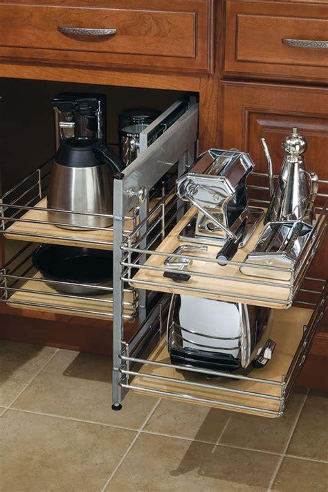 base corner cabinet  pullout diamond cabinetry