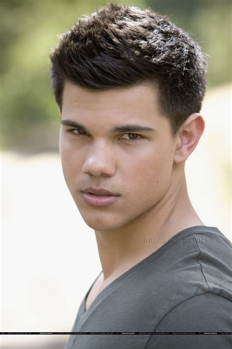 Taylor Lautner Twilight Series Photo 8558366 Fanpop