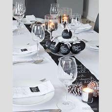 Festtafel Zu Weihnachten  Tischdekoration Mit Tafelfarbe