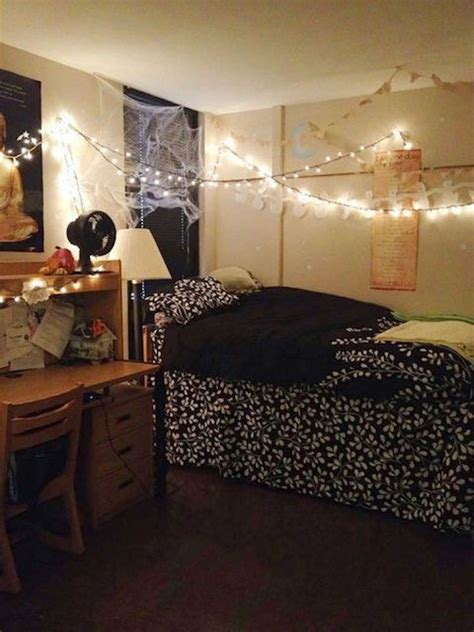 halloween dorm decorating ideas
